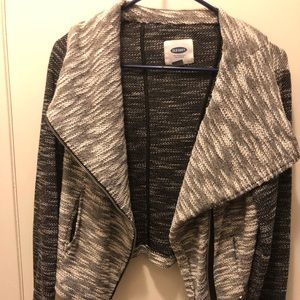 Size M Gray & Black Zip Jacket